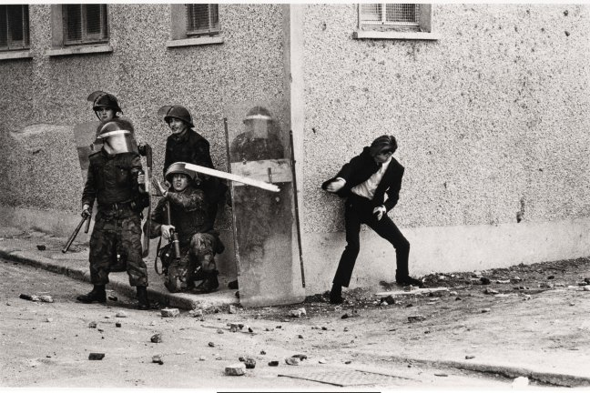 McCullin Bogside-Londonderry 1971